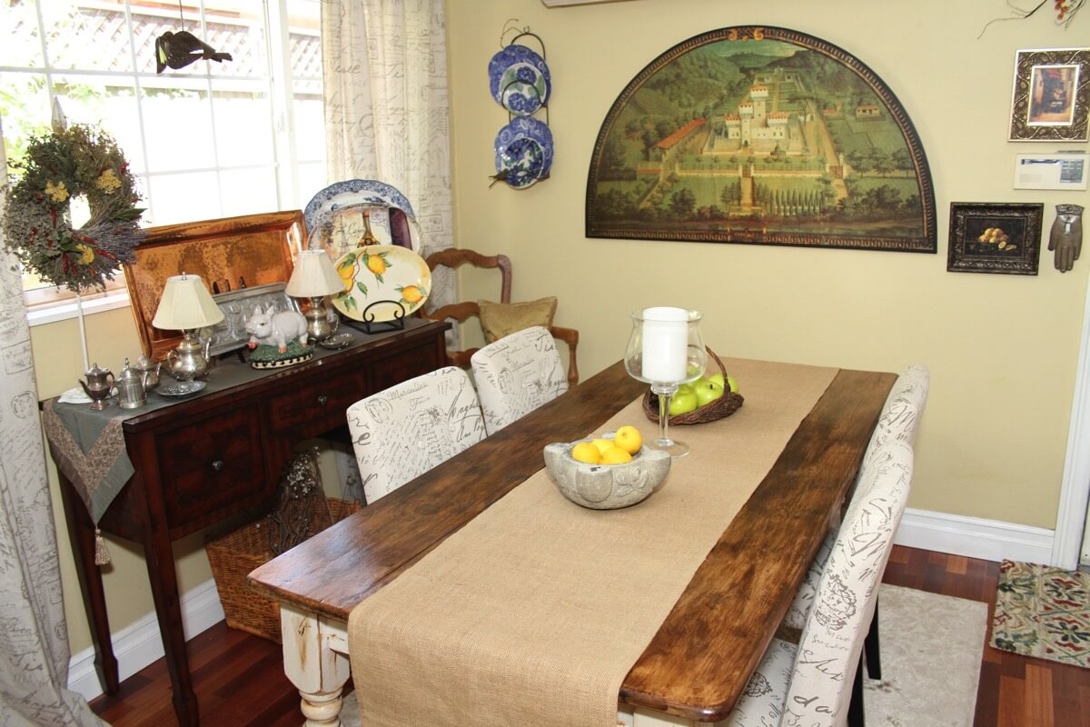 cottage dinning table.JPG