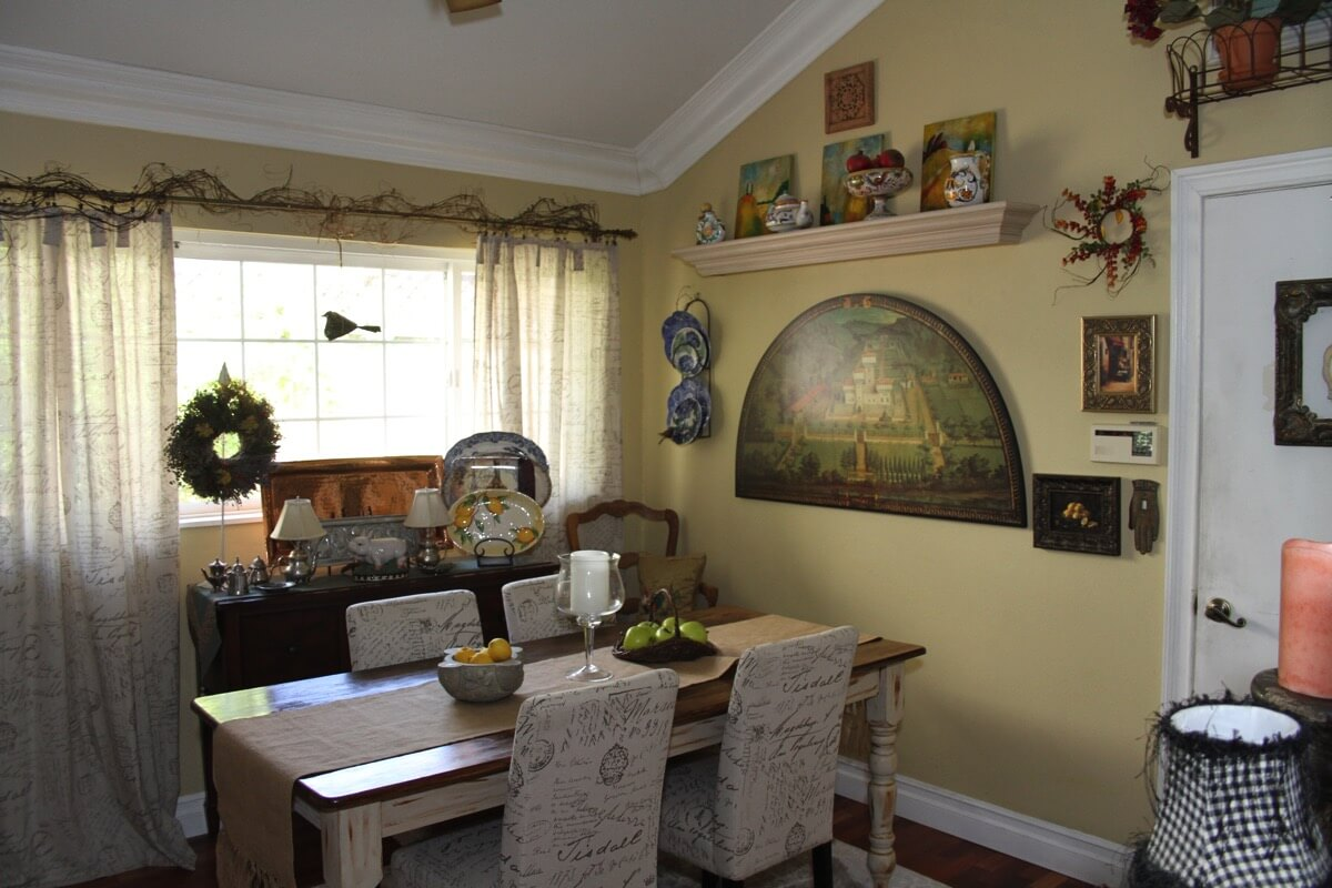 french cozy cottage dinning room.JPG