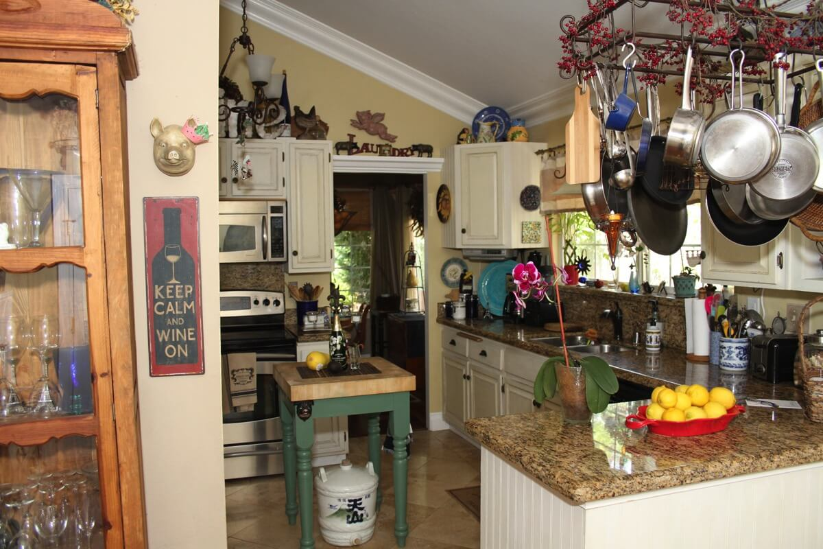 french style cottage kitchen.JPG