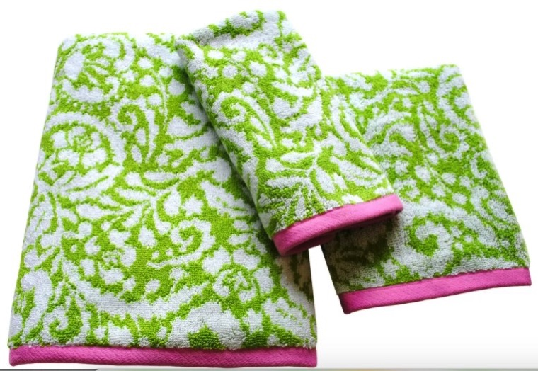Green and pink towels