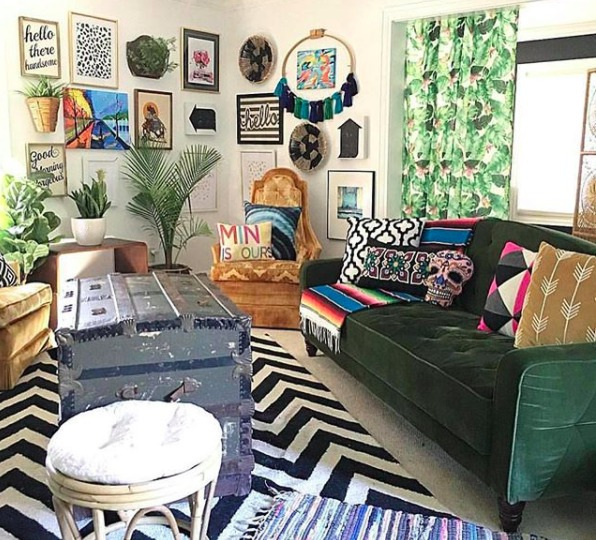 Jen streeter blissfully eclectic home tour colorful livingroom