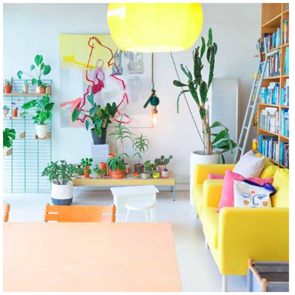 Colorful modern livingroom with plants